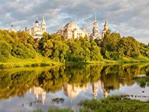 Обои Речка Церковь Россия Torzhok, Tver region, Tvertsa river город
