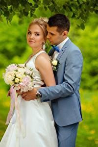 Картинка Мужчины Букеты Невеста Блондинка 2 Жених