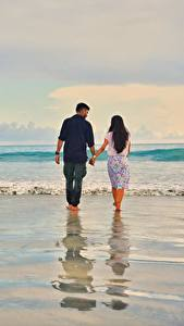 Картинки Море Волны Мужчина Любовники Воде Пляже Двое Идет Свидании Природа
