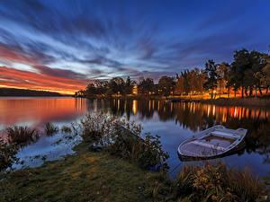Обои Швеция Речка Рассветы и закаты Лодки Деревья Природа