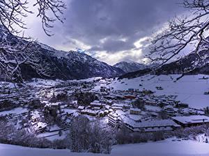 Фото Швейцария Здания Зима Гора Снег Glarus Города