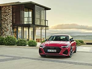 Обои Audi Спереди Красный Металлик Sportback RS 7 2020 машина