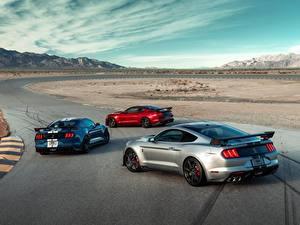 Картинки Дороги Форд Три Mustang Shelby GT500 авто