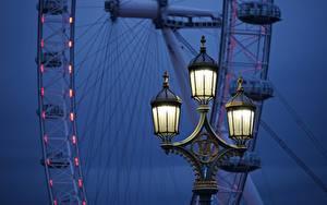 Картинки Вечер Англия Уличные фонари Колесом обозрения Лондоне London Eye город
