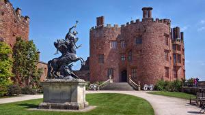 Фото Великобритания Замок Памятники Лестница Газоне Powis Castle