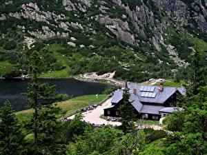 Фотография Польша Озеро Горы Карпаты Отель Скала