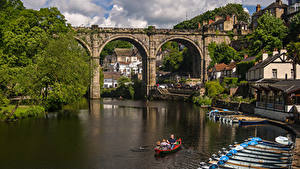 Фотографии Англия Здания Речка Мосты Причалы Лодки Harrogate Borough город