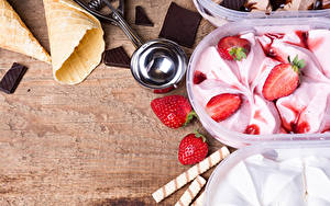 Обои Сладости Мороженое Клубника Шоколад Продукты питания