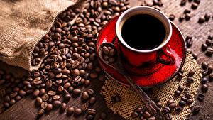 Картинка Кофе Чашка Зерна Ложки Блюдца Продукты питания