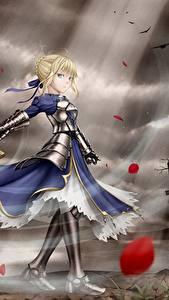 Картинки Fate: Stay Night Воители Меча Платья Блондинок Доспехе Аниме Девушки
