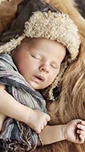 Картинка Младенцы Спящий Шапки Шарф Рука Дети