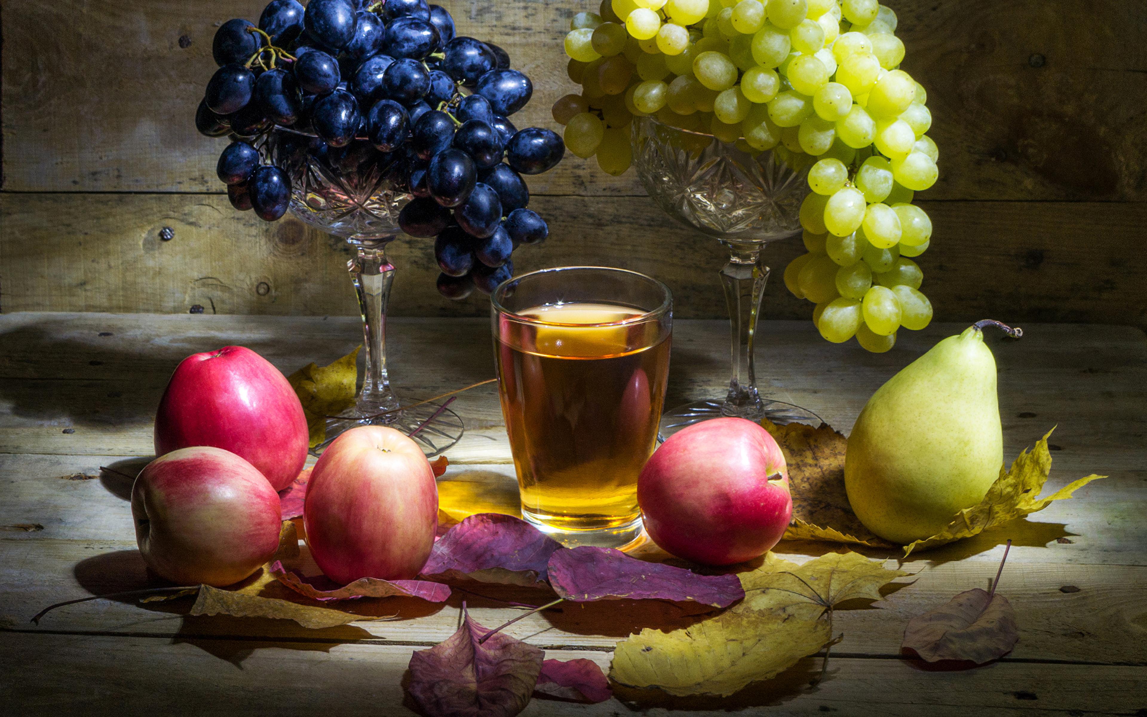Обои для рабочего стола Листья Сок Груши Стакан Яблоки Виноград Еда Натюрморт 3840x2400 лист Листва стакана стакане Пища Продукты питания