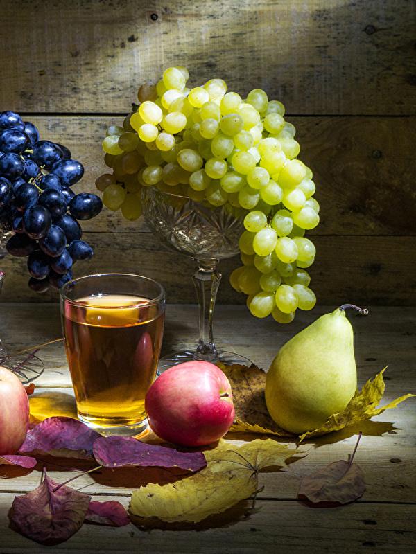Обои Листья Сок Груши Стакан Яблоки Виноград Еда Натюрморт 600x800 лист Листва стакана стакане Пища Продукты питания