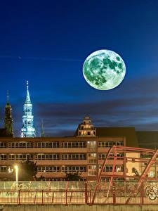 Фотография Германия Здания В ночи Луна Ограда Zwickau Города