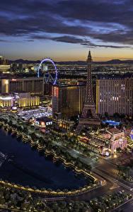 Фотографии США Здания Вечер Лас-Вегас Сверху город