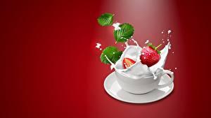 Картинка Ягоды Клубника Молоко Чашке С брызгами Еда