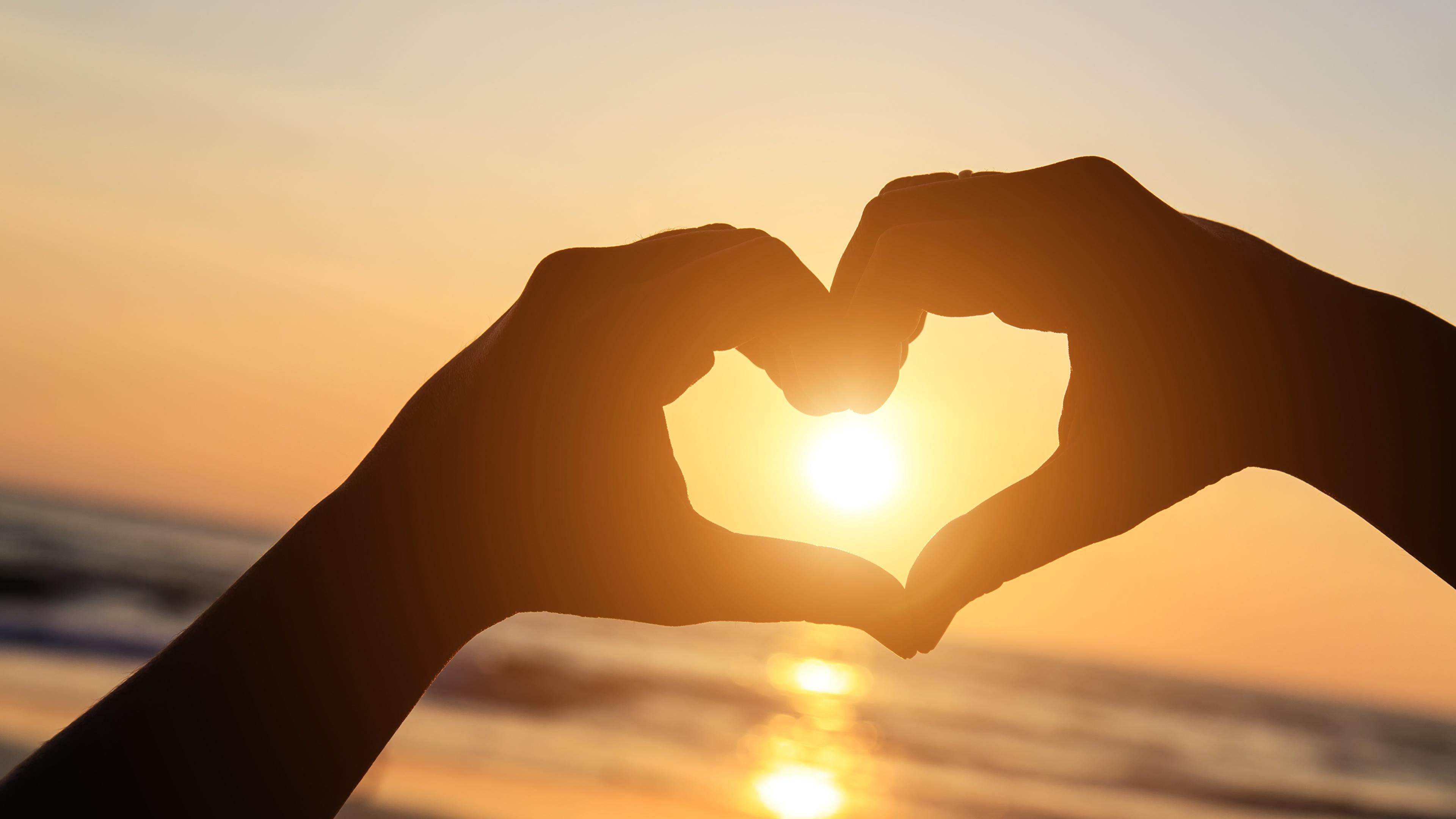 Фото сердечко силуэты солнца Природа Руки 3840x2160 серце сердца Сердце Силуэт силуэта Солнце рука