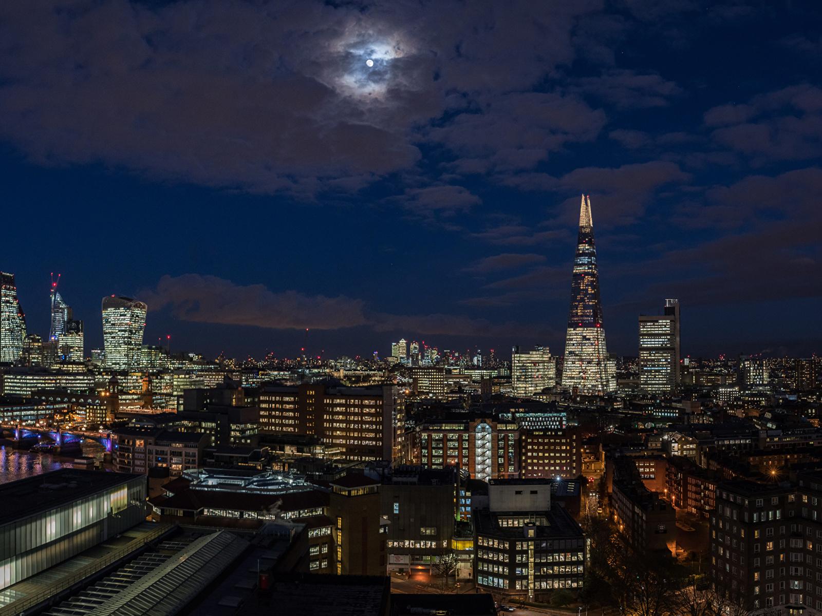 Обои для рабочего стола Лондон Англия луны Небо Ночь Дома город 1600x1200 лондоне Луна луной ночью в ночи Ночные Города Здания