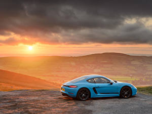Картинка Рассвет и закат Porsche Сбоку Металлик 718 Cayman Автомобили