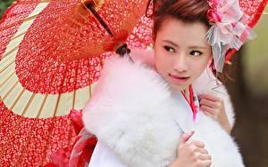 Фотография Азиаты Зонт Взгляд Красивые Девушки