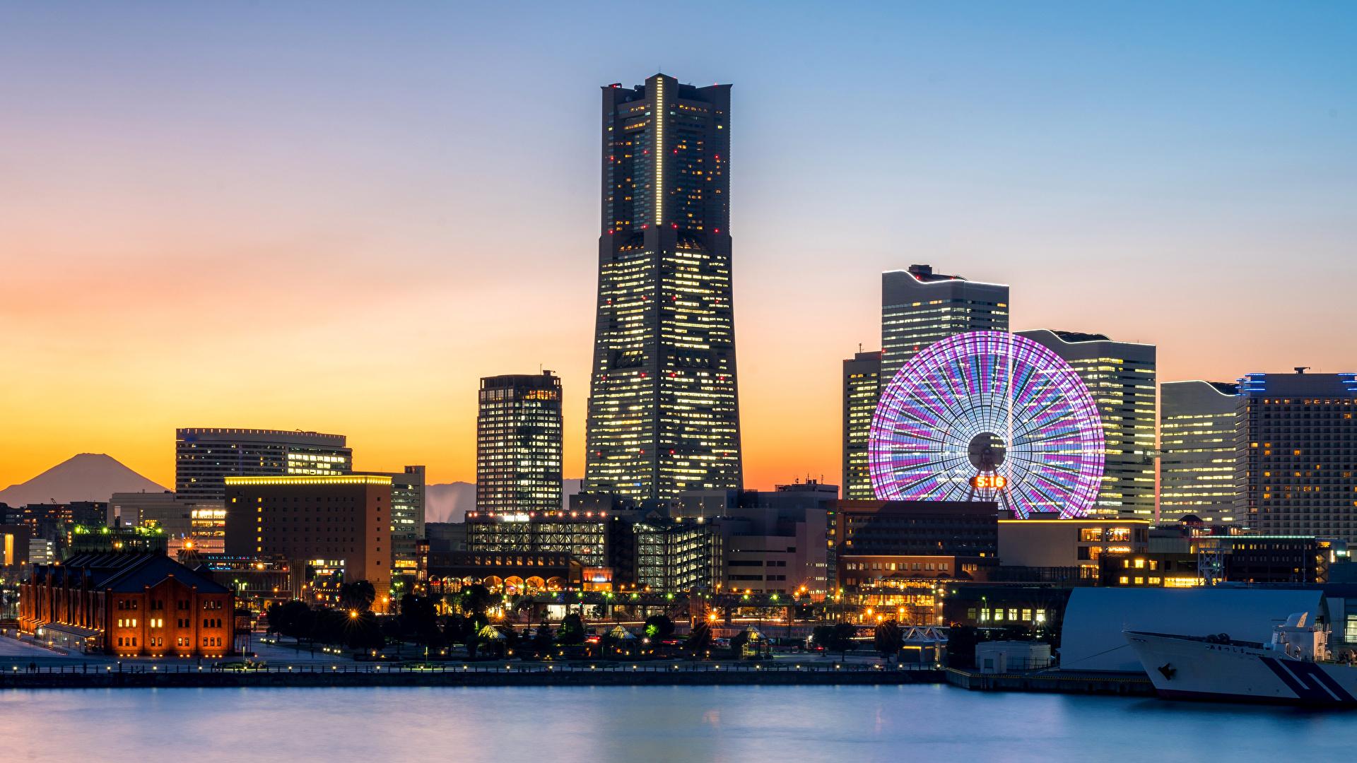 Картинки Япония Yokohama Колесо обозрения Вечер залива Пристань Небоскребы Дома Города 1920x1080 колесом обозрения Залив Пирсы заливы Причалы город Здания
