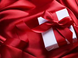 Картинки День святого Валентина Красный Подарки Бантик