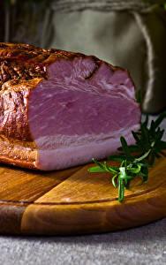 Фотография Мясные продукты Ветчина Разделочная доска Еда