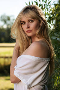 Картинки Carla Monaco Блондинки Волос Взгляд Боке