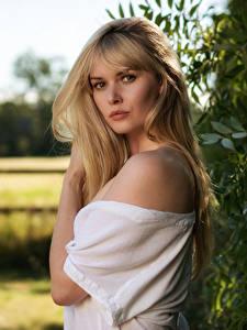 Картинки Carla Monaco Блондинки Волос Взгляд Боке девушка