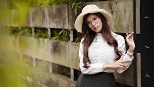 Фотография Шатенки Шляпе Очках Рубашки девушка