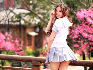 Фото Азиаты Юбка Красивые Милые молодая женщина