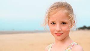 Фото Девочки Смотрит Лица Милая Красивый Русые Isabella Дети