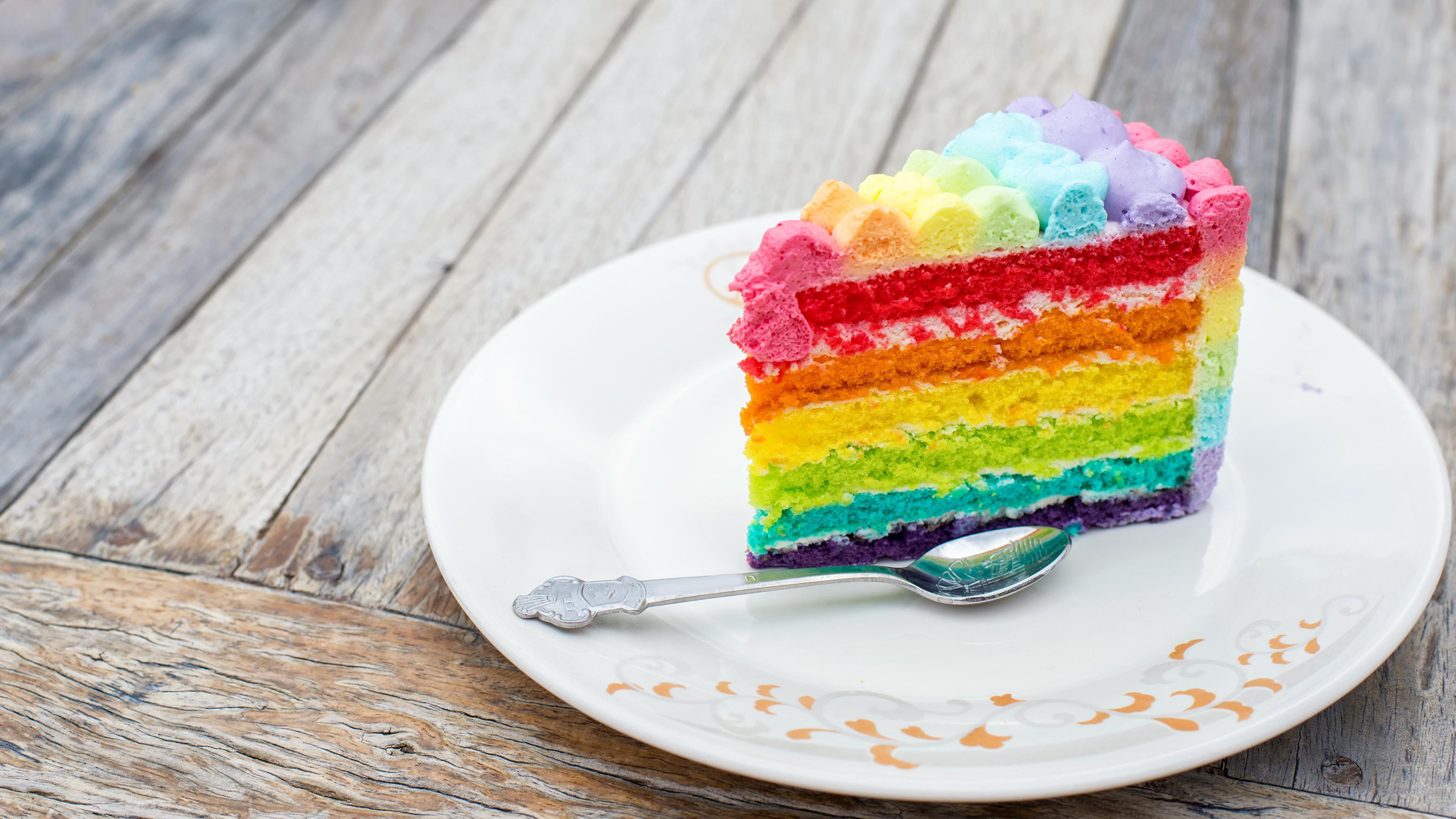 Картинка Разноцветные Торты кусочек Еда Ложка Тарелка 3840x2160 часть Кусок кусочки Пища ложки тарелке Продукты питания
