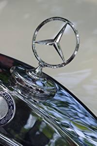 Картинка Логотип эмблема Крупным планом Mercedes-Benz hood