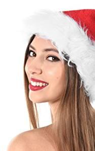 Фотография Новый год Белый фон Шатенка Шапки Смотрит Зубы Улыбка Девушки