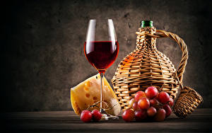 Фотография Натюрморт Вино Виноград Сыры Бутылка Бокалы