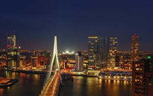 Картинка Нидерланды Роттердам Речка Мосты Дома Причалы Ночь город