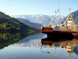 Фотография Норвегия Горы Речка Пирсы Корабли Ulvik Природа