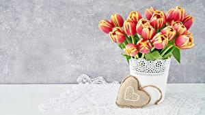 Картинка Тюльпан День святого Валентина Сердца Цветы