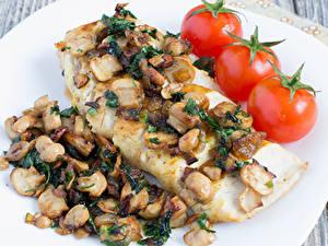 Фотографии Мясные продукты Грибы Томаты