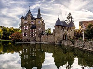 Обои Германия Замки Пруд Лучи света Satzvey Castle