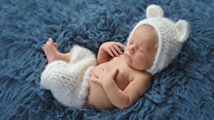Обои Младенцы В шапке Спящий