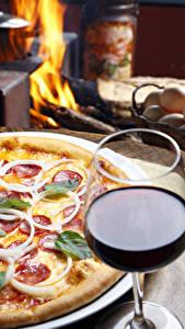 Картинки Быстрое питание Пицца Вино Бокалы Пища