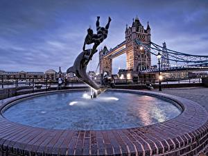 Картинки Англия Фонтаны Дельфины Лондоне Уличные фонари Tower Bridge Города
