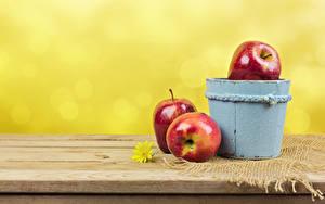 Обои для рабочего стола Яблоки Ведра Втроем Пища