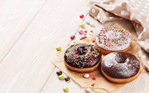 Картинка Выпечка Пончики Шоколад Сладости Доски Трое 3