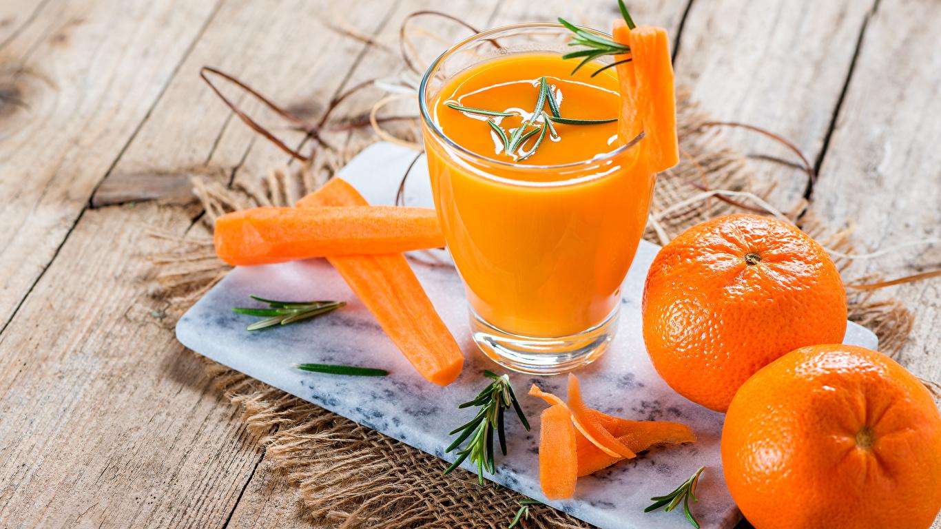 Картинка Сок Морковь Мандарины стакана Еда Доски 1366x768 Стакан стакане Пища Продукты питания