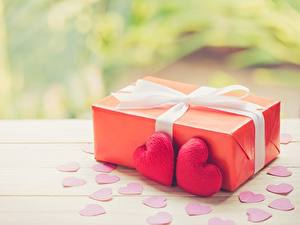 Картинка День святого Валентина Подарок Сердце Бантик