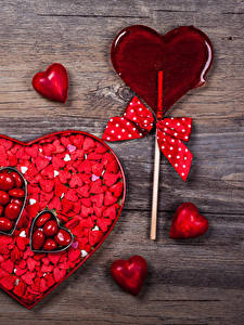 Фото День святого Валентина Много Сладости Леденцы Доски Сердце Бантик