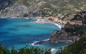 Картинки Италия Чинкве-Терре парк Берег Здания Утес Monterosso